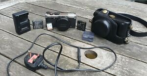 Pentax MX-1 12.0MP Digital Camera With Charger And Case - Silver Tested Working