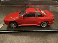 Maserati Shamal 1989 Rot mit Vitrine Red with showcase KESS KE18003A neu 1:18
