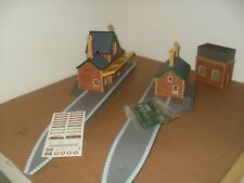 Hornby Station + Water Tower Building + Extras for Trainset/Model Railway Layout