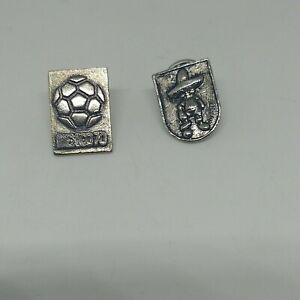VTG RARE WORLD CUP MEXICO 70 SOCCER FOOTBALL FUTBOL PIN X2 MADE AT MEXICO