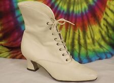 7-7.5 vintage 90s cream leather Nine West cuffed lace-up ankle boots heels shoes