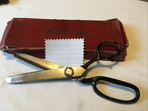 Vintage Pinking Shears/Scissors Boxed