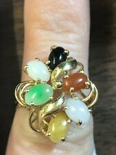 JADE AND 14KT GOLD CLUSTER STYLE RING BEAUTIFUL JADE VARIETIES ALL IN EXCELLENT