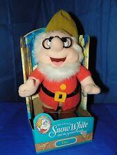 WALT DISNEY DOC SNOW WHITE AND THE SEVEN DWARFS PLUSH NEW IN BOX #10109