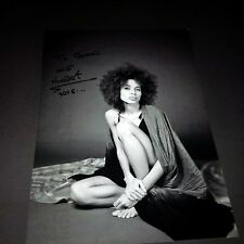 NNEKA In-person signed Autogramm Foto 20x30