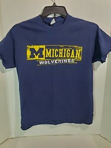 Gildan Adult Med T Shirt Short Sleeve Michigan Wolverines College Pre Owned Blue