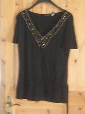 DamenShirt in schwarz mit goldenen Perlenbesatz