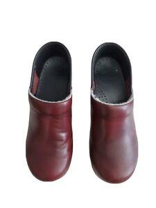 Dansko Burgundy Leather Clog Stapled Professional Shoe Size 36  (US 5.5-6)