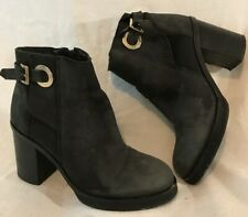 Office Black Ankle Leather Boots Size 37 (669v)