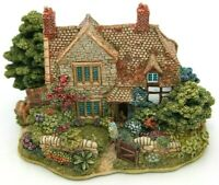 Lilliput Lane The Hideaway L2172 complete with Deeds