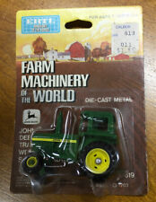 Vintage Ertl Farm Machinery of the World John Deere Farm Toy Tractor 1/64th Nip