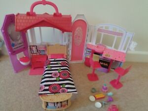 barbie doll glam getaway fold up house with some accessories