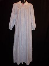 Vtg. SEARS JR Bazaar Floral Women's Size 5 Flannel GRANNY GOWN Soft & Warm