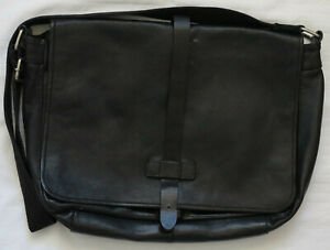 COUNTRY ROAD Large Black Leather Messenger / Cross-Body Bag