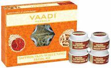 Vaadi Herbals Zafferano pelle Sbiancante Facciale Kit con Sandalo Estratto, 70g