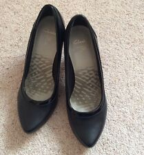 Ladies Clarks Black Leather & Patent Court Shoes - 'Country Music' - Size UK 6.5