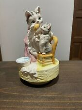 1981 Schmid Japan Porcelain Beatrix Potter Mrs Tabitha Twitchit Music Box