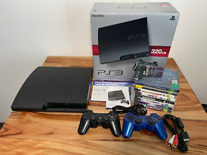 Sony PS3 Playstation 3 - 320 GB, 2 controllers, 8 Games