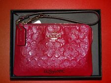 COACH GLOSSY EMBOSSED SIGNATURE WRISTLET CORNER ZIP LEATHER CRANBERRY WALLET NEW