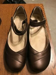 Aravon Women's Size 9.5 D  Maya Brown Leather Mary Jane Comfort Shoes