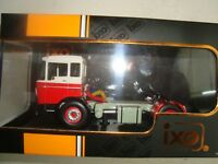 NEW CAMION DAF 2600 ROUGE  BLANC 1970 IXO  TR013 1/43 BOITE PLEXI