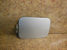 2004-2007 MITSUBISHI GALANT FUEL LID GAS CAP DOOR COVER LIQUID SILVER A33