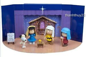 New Peanuts Charlie Brown Christmas figure Set w/ Fold-Out Christmas Play Stage