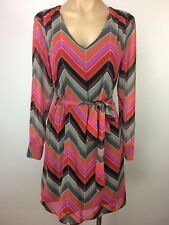 BANANA REPUBLIC Long Sleeve V Neck Tie Belt Dress ZigZag Print PINK RED GRAY 2