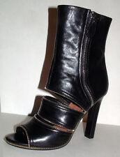 Alaïa's black leather Women's sandals