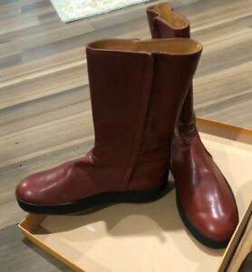 Tod's New  pellame article style boots 8.5 box/covers