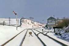 PHOTO  AIS GIL TRACK AND SIGNAL BOX COVERED IN SNOW