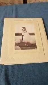 "Hallmark Stories Ivory Wedding Memory 5"" x 7"" Photo Keepsake Album Book -"