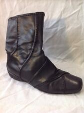 e. Black Ankle Leather Boots Size 5