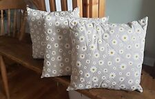 Quilted Cushion, Daisy Pattern