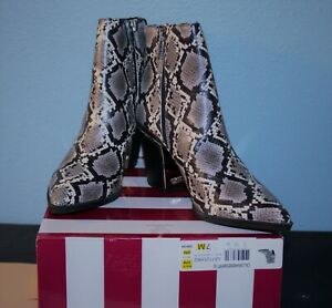 Woman  CIRCUS by Sam Edelman Cal Cashmere Snake Reptile size 7 SHORT BOOT Shoes