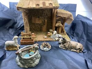 Grandeur Noel 14pc Nativity Accessories Set Pre Owned