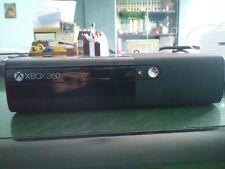 Console Microsoft XBOX 360 nera come nuova + 3 joystick + 4 giochi