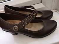 """EARTH SPIRIT Brown Leather Upper 2.5"""" Heel Mary Jane Shoes SIZE 4 Excellent Cond"""