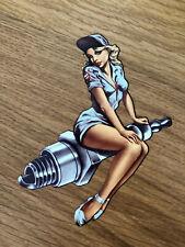 PIN UP SPARK PLUG Aufkleber Sticker Speedshop Girls Ladys V8 Oil OldSchool Pu053