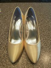 """Michaelangelo shoes size 8.5M leather sole """"pauline"""" light yellow wore one time"""