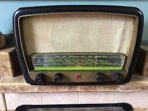 Vintage 1950s Philips Bakelite Valve Mains Cabinet Radio Working