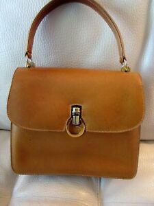 Vintage 80's Gucci  Bag Leather Carmel/Tan Flap pull lock Handbag