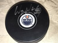 Wayne Gretzky Autographed Edmonton Oilers Official Game Puck Authentication VSA