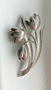leaf pin leaf brooch womans jewelry sweater pin burst of vintage silver brooch Trifari brooch Broach Vintage Trifari Pin 1950 brooch