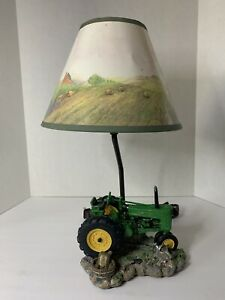VTG John Deere Licensed Tractor Lamp Resin Form Chicken Farm 1999 w/ Shade Works