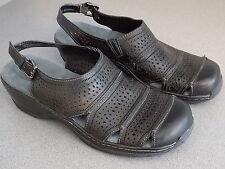 Softwalk womens US 9.5 N Black Fisherman type Sandal -blemish, otherwise excel