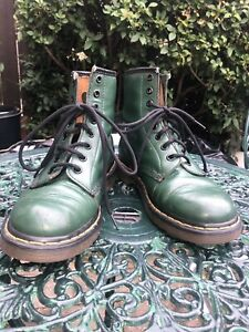 Used With Flaws Dr Martens Green 8 Hole 1490 Boots UK 6.5 Vintage Embossed Logo