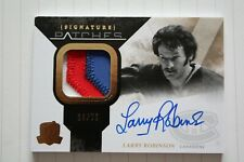 10-11 THE CUP SIGNATURE PATCHES of LARRY ROBINSON #19/75