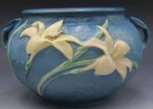 "C1940s Roseville Zephyr Lily 'Bermuda Blue' Jardiniere Planter 671-6"""
