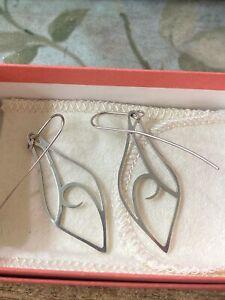 Retired James Avery Sterling Silver Alfresco Dangle Earrings